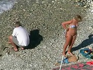 (12 pictures) Mature couple gets horny while exploring the seaside