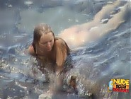(12 pictures) Lovely naked blonde masturbates under the water